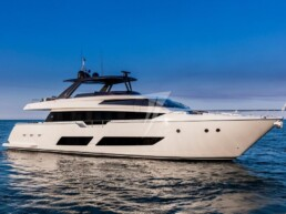 Ferretti Yachts 850 - CMM YACHT SERVICE